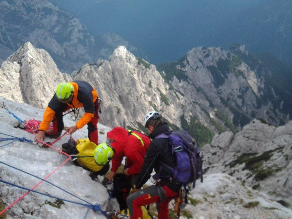 20130706-grs-intervencija-zaplezana_alpinista-jv_stena_planjave_01